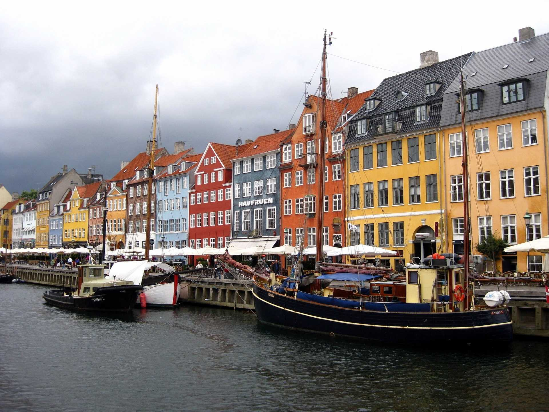 original_nyhavn-district-1185932_1920