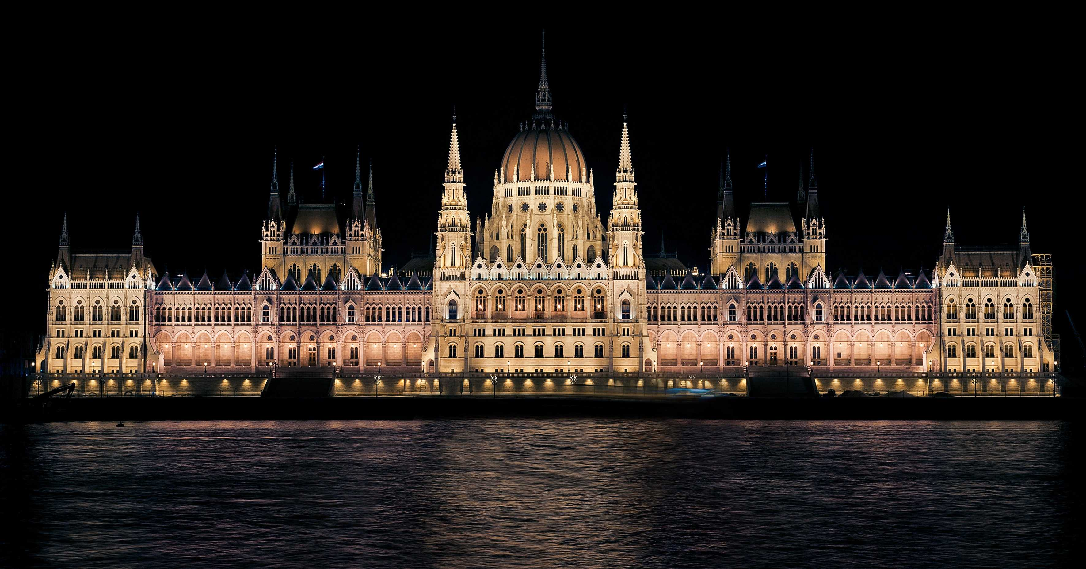 original_hungarian-parliament-335130